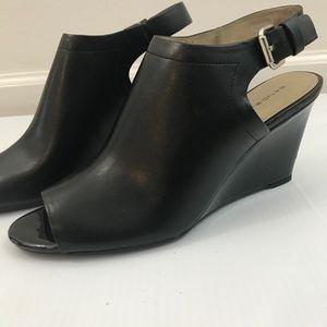 Bandolino Dressy Sandal w/Patent Wedge